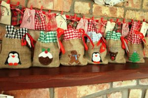 mini hessian gift bags