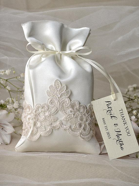 wedding favor packaging - gift with custom tag