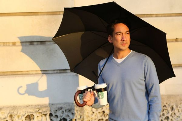 Things every human needs but has never thought to make - cupholder umbrella